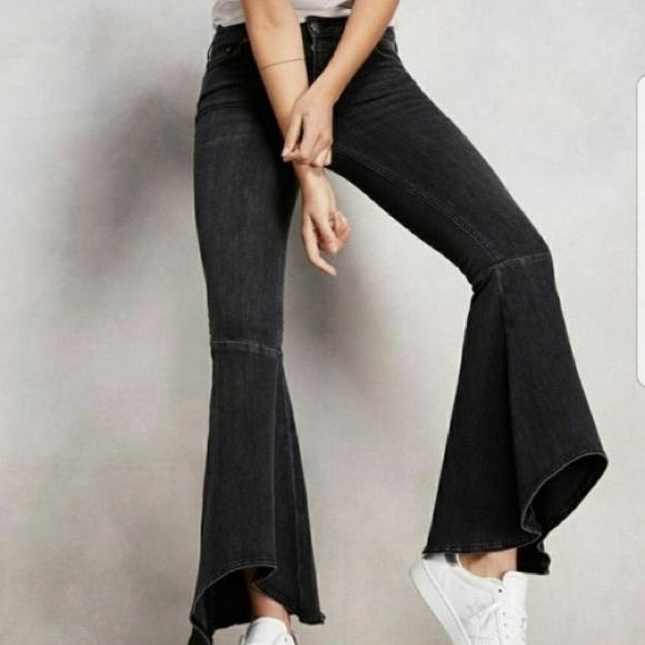 b484d08f6 Free People Denim - Free People hippie hi-lo bell flare jeans sz 28